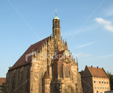 ist2_2273828-church-of-our-lady-in-nuremberg-germany